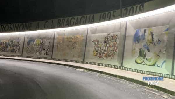 VIDEO | Le immagini dei murales di via Ciamarra illuminati dai led dopo il restauro