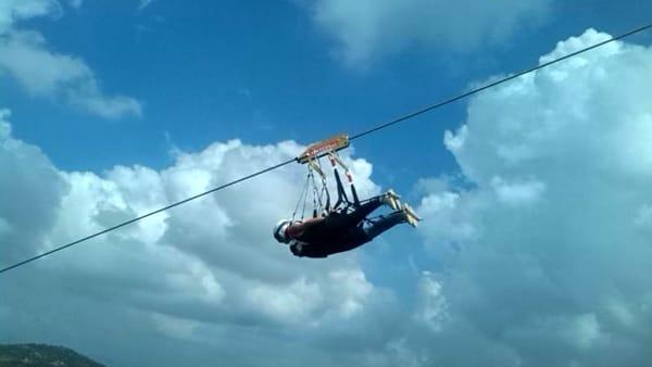 Rocca Massima, l'emozione del volo del Flying in the sky in un video eccezionale