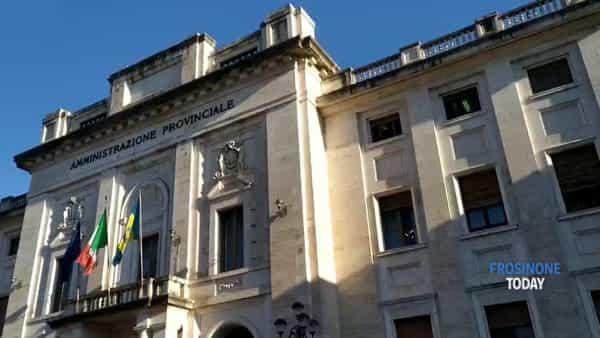 VIDEO | Vertenza Reno De Medici, il grido di protesta davanti alla Provincia