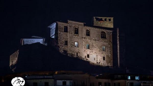 Visita serale in costume a tema medievale del Castello