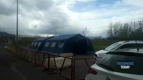 VIDEO | Coronavirus, al 'Santa Scolastica' la tenda pre-triage è chiusa. Allo 'Spaziani' di Frosinone accoglie i casi sospetti