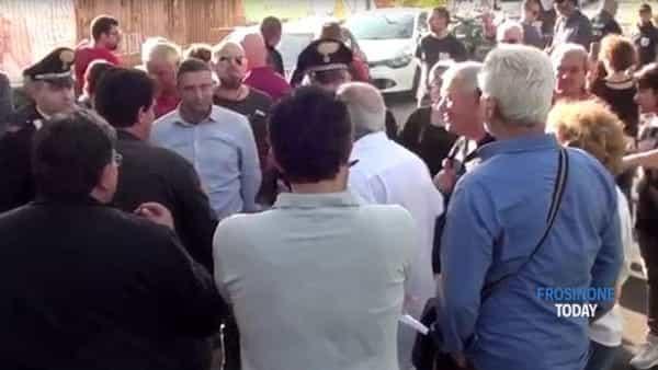 Cassino, la protesta pacifica dei residenti in via Cerro