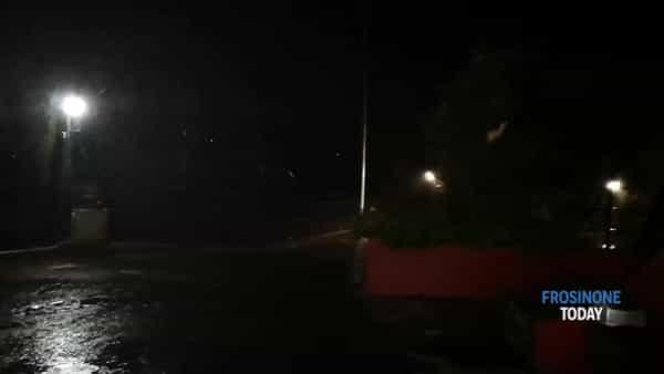 VIDEO | Maltempo, tromba d'aria nel nord Ciociaria. Alberi caduti e neve in montagna