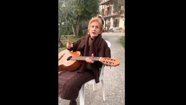 VIDEO | Coronavirus, il messaggio di speranza di nonna Rosina fa il giro del web