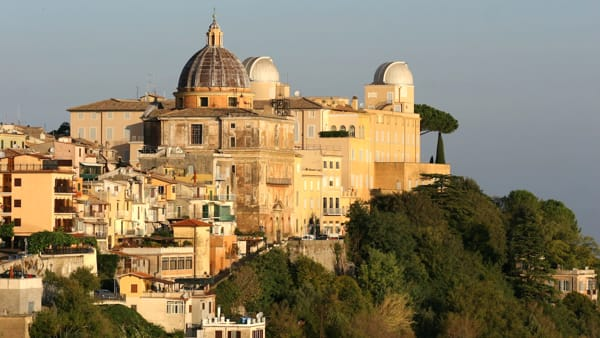Castel-Gandolfo-and-Pope-blessing-Tour